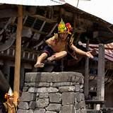 fahombo tradisi lompat batu