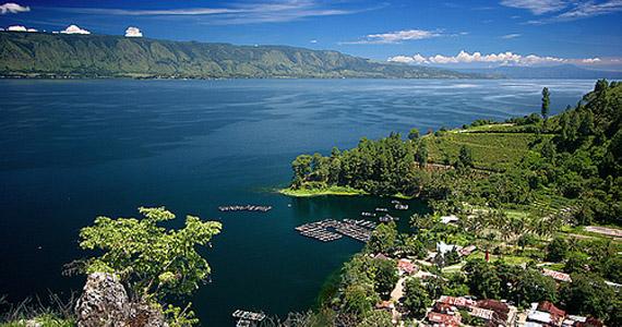 danau toba sumatera indonesia